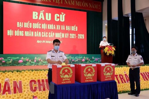 Ba Ria-Vung Tau: vote anticipe pour les soldats et pecheurs en mer hinh anh 1