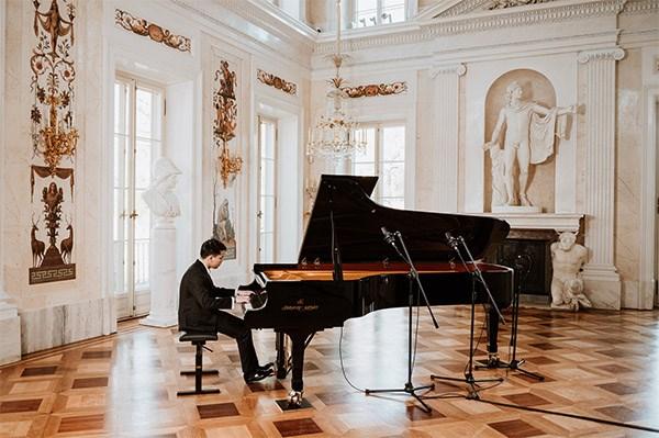 Felicitations au finaliste vietnamien du Concours international de piano Frederic Chopin hinh anh 1