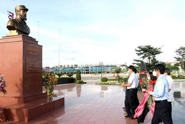 Commemorer le 95e anniversaire du leader cubain Fidel Castro dans la province de Quang Tri hinh anh 1