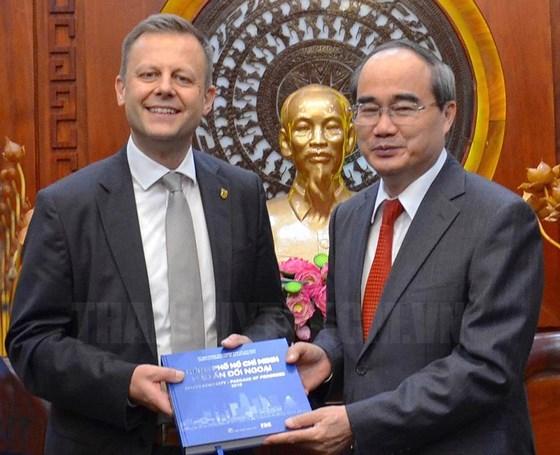 Ho Chi Minh-Ville accueille une delegation de Leipzig (Allemagne) hinh anh 1