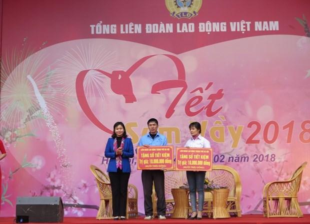 Tet : Hanoi va offrir des cadeaux a pres de 872.000 personnes hinh anh 1