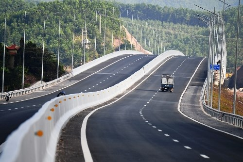 L'autoroute Ha Long – Van Don sera prochainement ouverte au trafic hinh anh 1