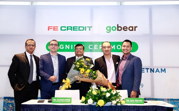 GoBear Vietnam coopere avec FE Credit hinh anh 1