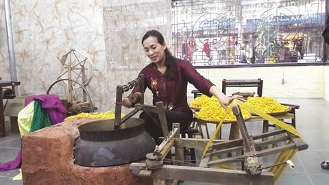 A Hanoi, le plus ancien village de la soie reste authentique hinh anh 3