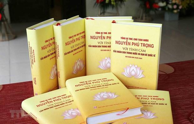 Publication d'un livre sur le secretaire general du Parti et president vietnamien Nguyen Phu Trong hinh anh 1