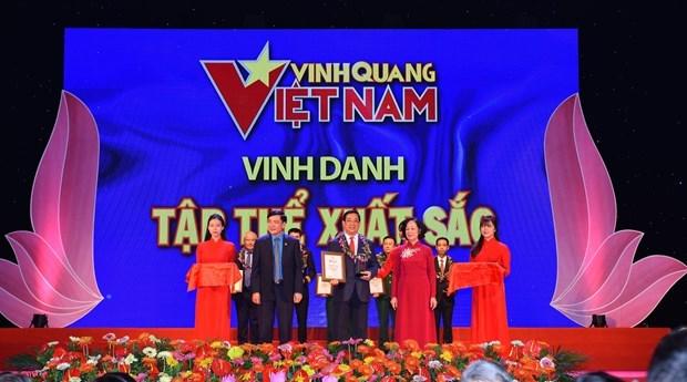 Le secteur de la sante honore au programme « Gloire du Vietnam » hinh anh 2