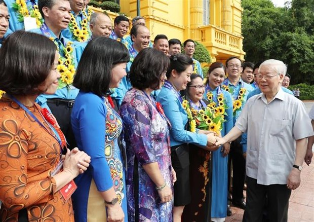 Le dirigeant Nguyen Phu Trong rencontre des cadres syndicaux hinh anh 1