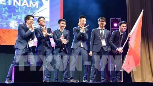 Le president du Comite des IMO apprecie la qualite de l'enseignement des maths au Vietnam hinh anh 1