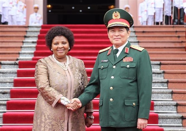 Vietnam et Afrique du Sud renforcent leur cooperation dans la defense hinh anh 1