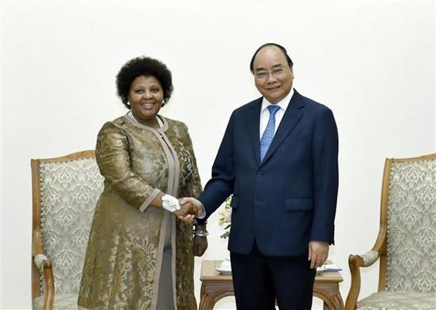 Le PM recoit la ministre sud-africaine de la Defense et des Anciens combattants hinh anh 1