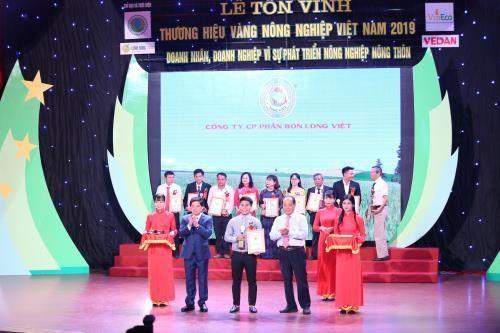 Le titre « Label agricole d'or du Vietnam 2019 » decerne a 75 marques hinh anh 1