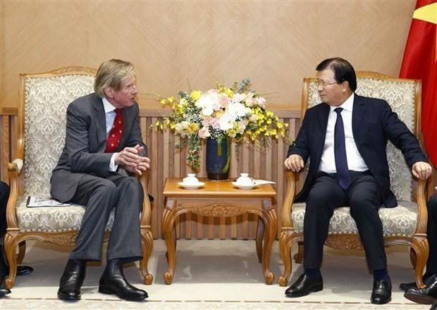 Le vice-PM Trinh Dinh Dung recoit le directeur general de SOCO International hinh anh 1