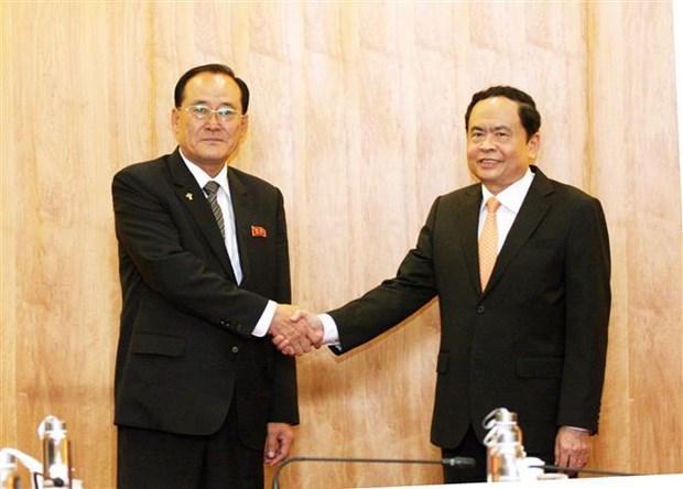 Le president du CC du Front de la Patrie recoit une delegation nord-coreenne hinh anh 1