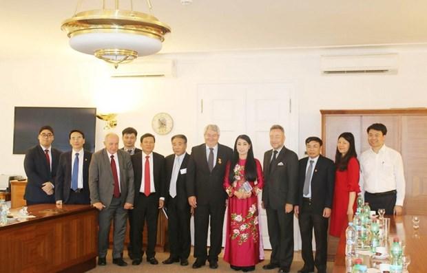 Une delegation de Vinh Phuc en Republique tcheque hinh anh 1