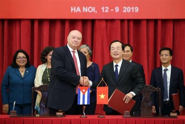Cloture de la 37e reunion du Comite intergouvernemental Vietnam-Cuba hinh anh 1
