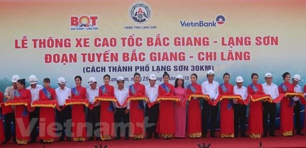 Le vice-PM Trinh Dinh Dung assiste a l'ouverture technique de l'autoroute Bac Giang – Lang Son hinh anh 2