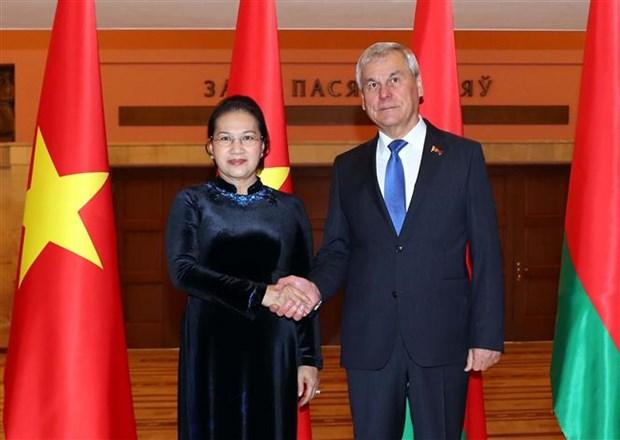 La presidente de l'AN s'entretient avec le president de la Chambre des representants bielorusse hinh anh 1