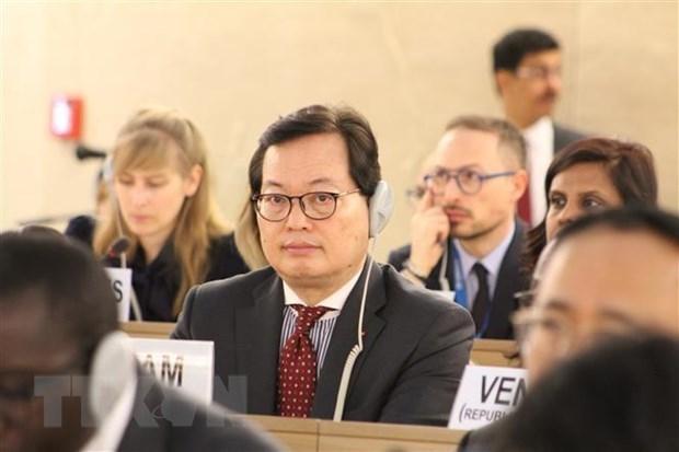 Le Vietnam participe au premier Forum mondial sur les refugies en Suisse hinh anh 1