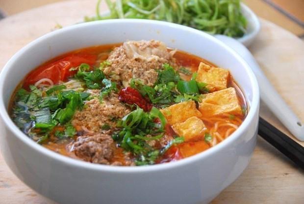 Le Figaro presente la street food vietnamienne avec « huit merveilles a deguster a Hanoi » hinh anh 1