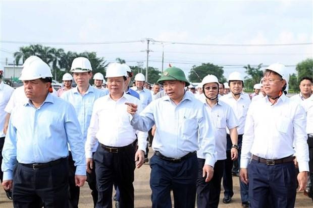 Le PM controle le rythme des travaux du projet de construction de l'aeroport de Long Thanh hinh anh 1