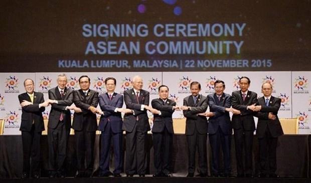 Anniversaire de l'ASEAN : le Vietnam contribue a la solidarite et a l'unite de l'ASEAN hinh anh 1