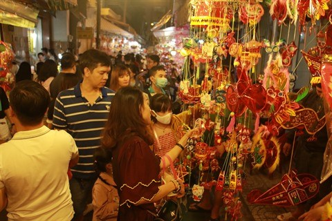 Des lanternes qui font tourner les tetes des Saigonnais hinh anh 1