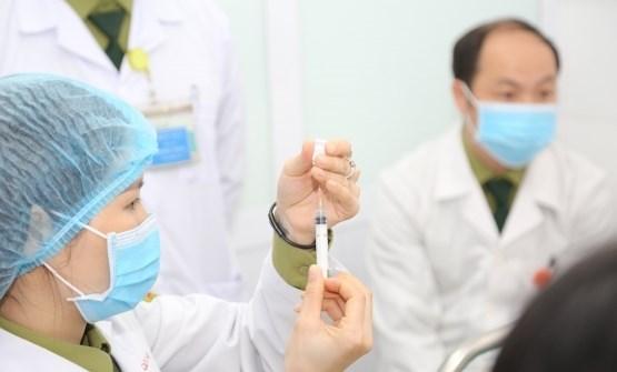 Numerisation des informations sur la vaccination contre le COVID-19 pour les Vietnamiens hinh anh 2
