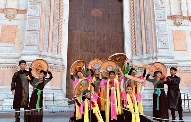 La culture vietnamienne presentee lors du Festival de musique et d'art Dancin'BO en Italie hinh anh 1