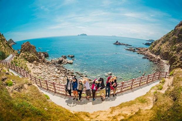 Phu Yen : Le nombre de touristes augmente malgre le COVID-19 hinh anh 1