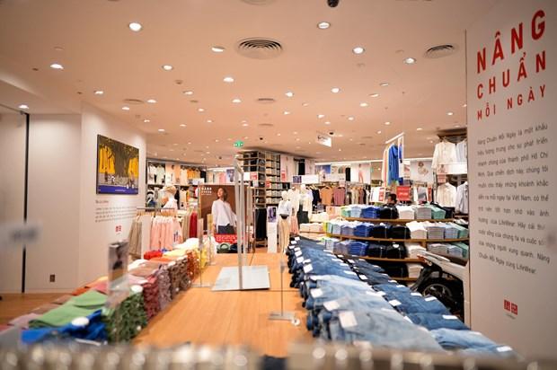 Uniqlo inaugure son premier magasin a Hanoi hinh anh 1