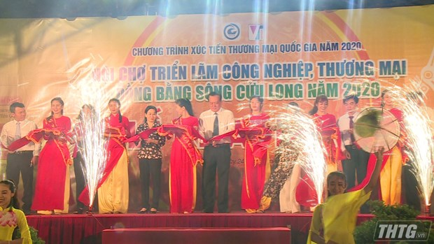 Ouverture du Salon industriel et commercial du delta du Mekong 2020 a Tien Giang hinh anh 1