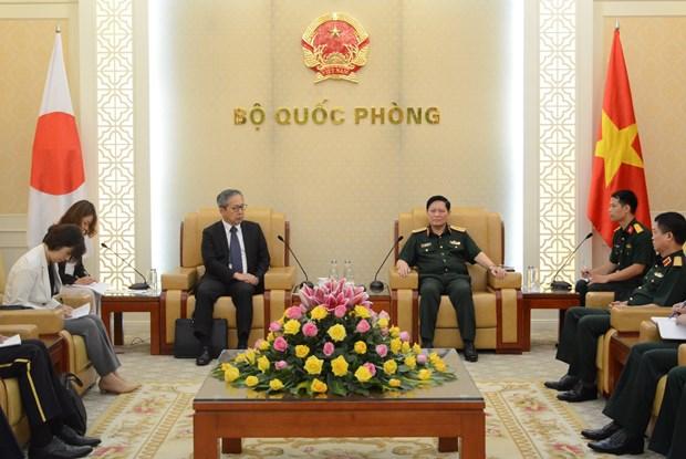 Le ministre de la Defense Ngo Xuan Lich recoit l'ambassadeur japonais Yamada Takio hinh anh 1