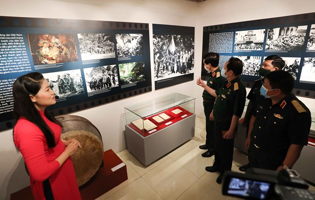 Ouverture de l'exposition «Revolution d'Aout - Etape historique» a Hanoi hinh anh 1