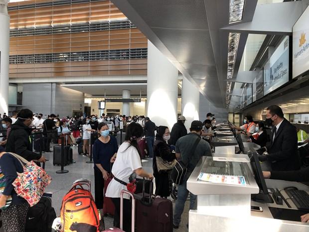 Plus de 340 citoyens vietnamiens aux Etats-Unis ramenes chez eux en toute securite hinh anh 1