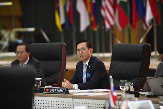 L'ambassadeur vietnamien Tran Duc Binh elu Secretaire general adjoint de l'ASEAN hinh anh 1