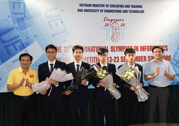 Quatre eleves vietnamiens primes aux Olympiades internationales d'informatique 2020 hinh anh 1