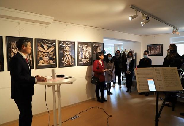 Presentation de la maison communale vietnamienne aupres du public allemand hinh anh 2