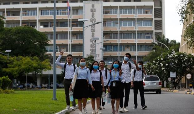 Le Cambodge autorise la reouverture des universites publiques hinh anh 1