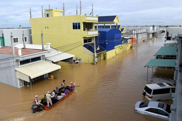 Inondations au Cambodge: messages de sympathie de dirigeants vietnamiens hinh anh 1