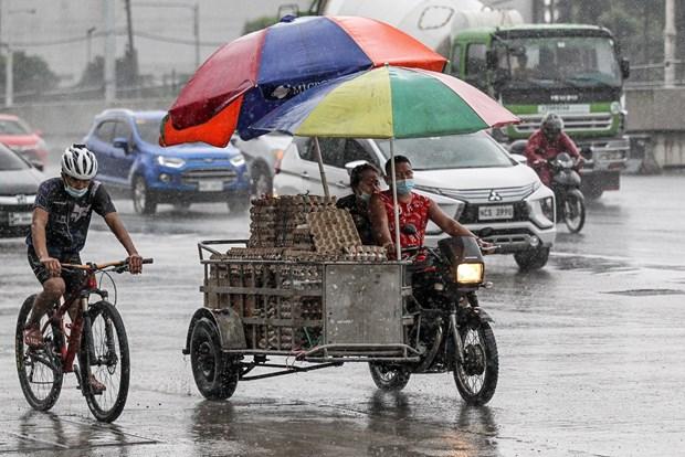 Typhon Molave : Pres de 9.000 fuient leurs maisons aux Philippines hinh anh 1