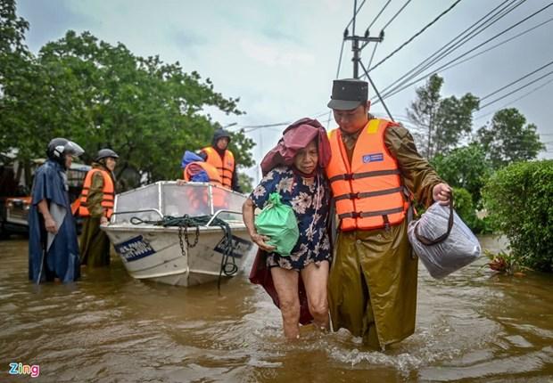 Les Vietnamiens en R. tcheque et Pologne levent des fonds pour aider les victimes des inondations hinh anh 1