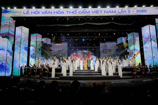 Cloture du 2e Festival de la culture du « tho cam » du Vietnam hinh anh 1