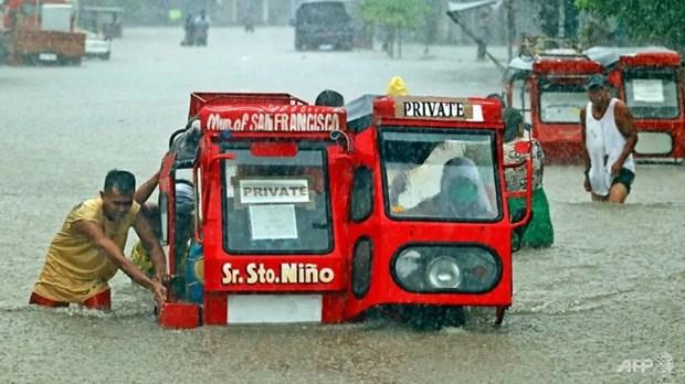 Les Philippines evacuent pres de 10.000 personnes a cause d'intemperies hinh anh 1