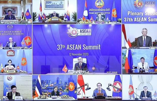 Experte a Singapour: Le Vietnam assume avec brio sa presidence de l'ASEAN hinh anh 1