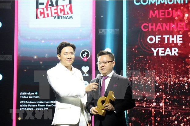 La chaine anti-fausses nouvelles Factcheckvn remporte le prix TikTok Awards Vietnam 2020 hinh anh 2
