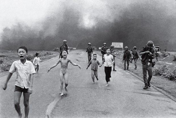 Un photographe de la guerre du Vietnam recoit la Medaille nationale des arts des Etats-Unis hinh anh 2