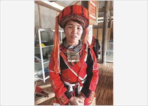 Le tissage traditionnel des habits des Pa Then hinh anh 1
