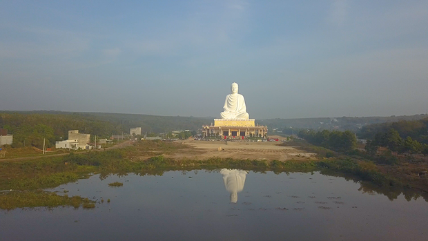 La plus haute statue de Bouddha d'Asie du Sud-Est inauguree a Binh Phuoc hinh anh 1