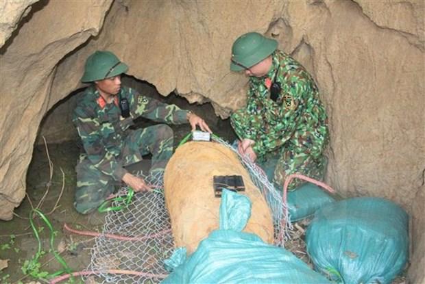 Une bombe de 500 kg neutralisee a Son La hinh anh 1