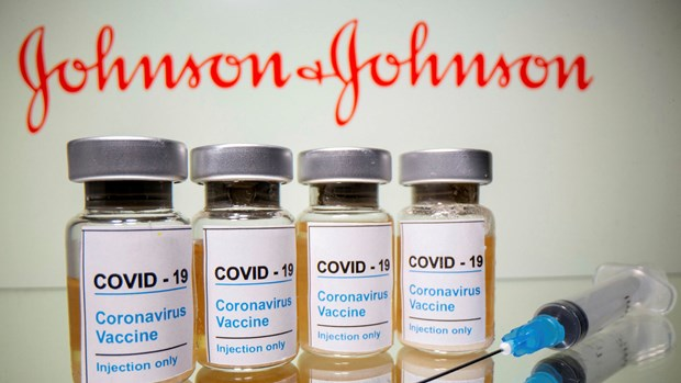 Le ministere de la Sante travaille avec Johnson & Johnson sur la fourniture de vaccins anti-COVID-19 hinh anh 1